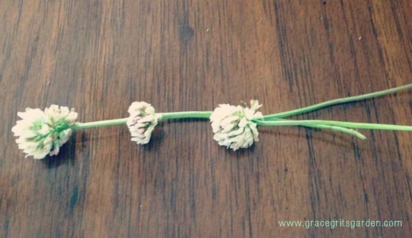 how to make a clover bracelet
