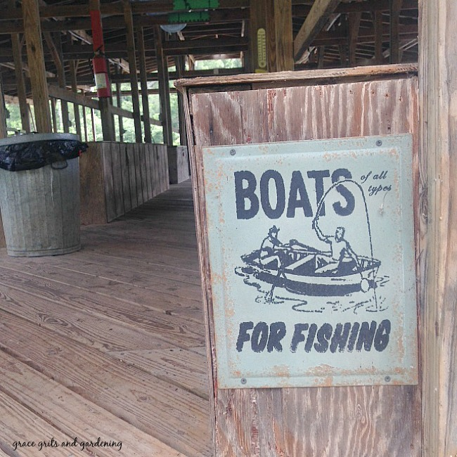 Lake Signs - Boats for Fishing