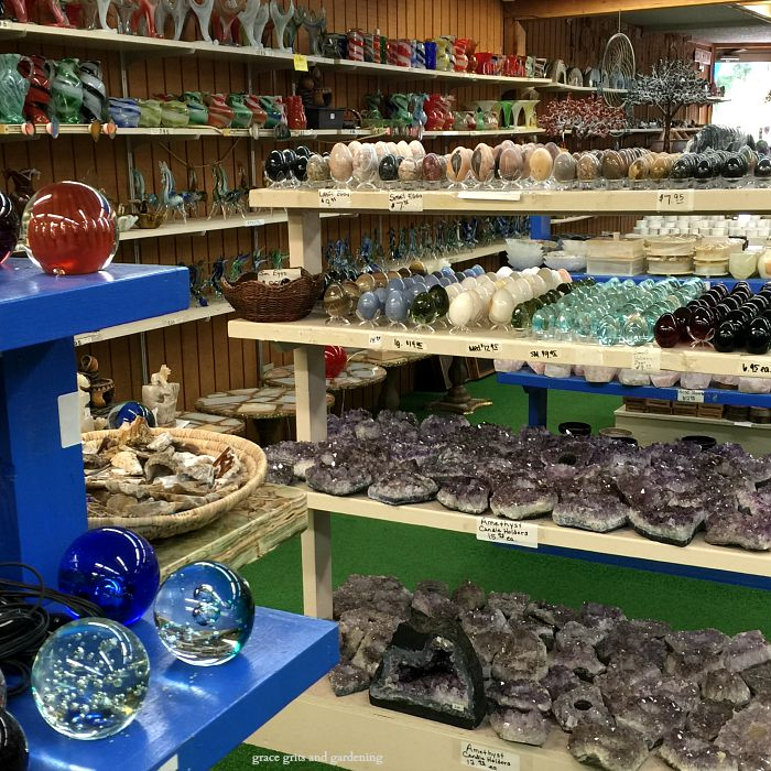 Coleman's Rock Shop on Hwy 7