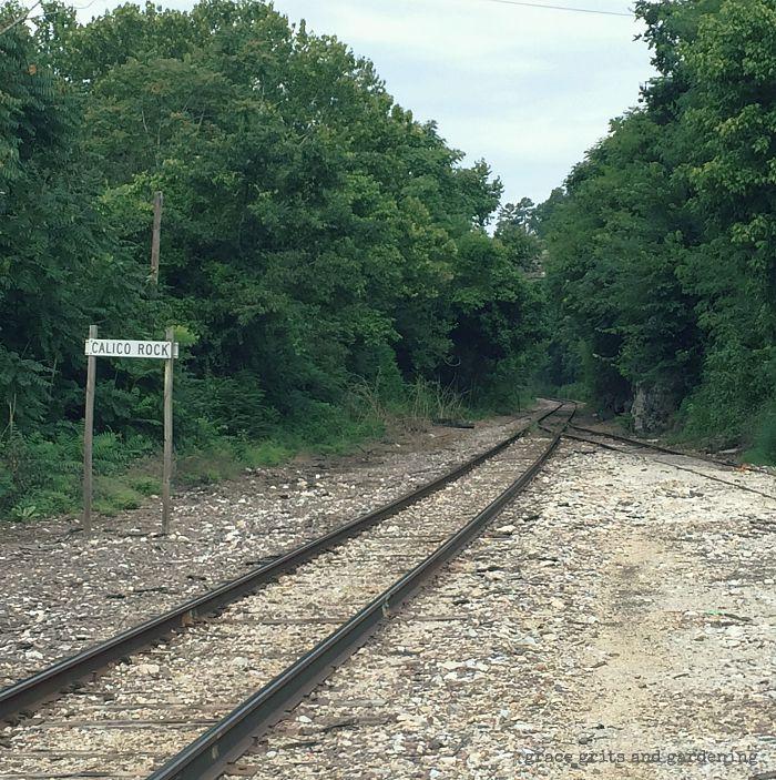 Calico Rock railroad track